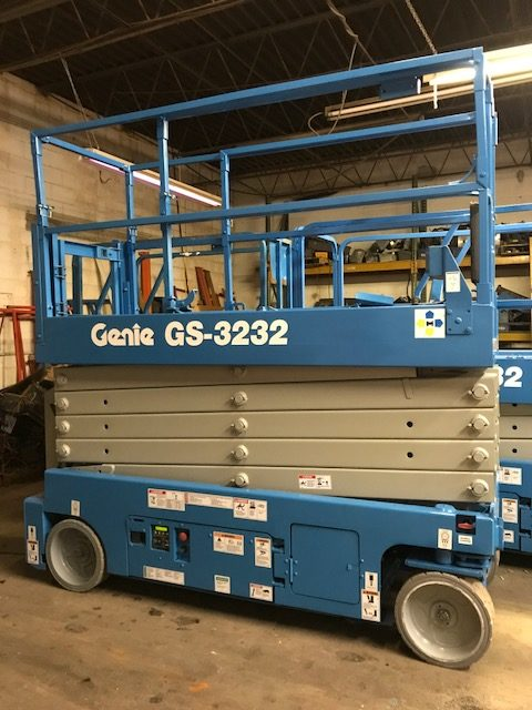 Genie GS3232 used lifts in lombard